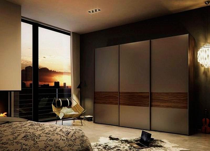 Темная спальня со шкафом