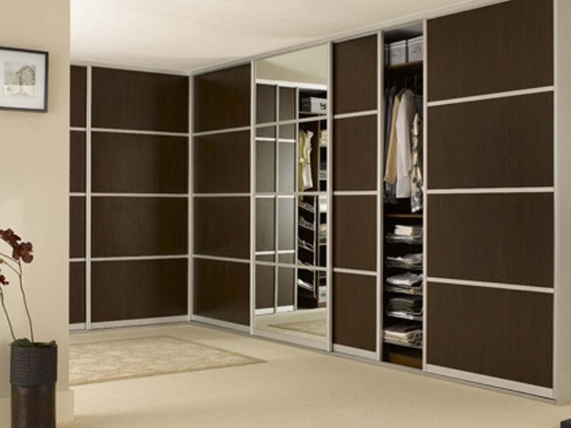 Встроенный г образный шкаф