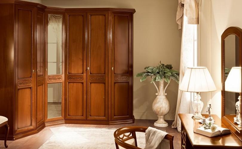 Встроенный шкаф деревянный