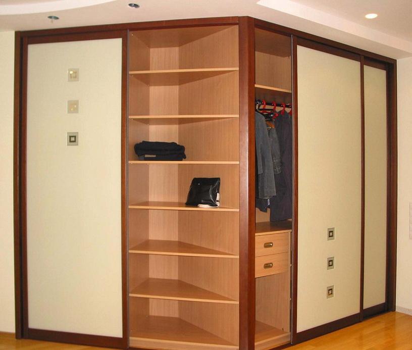Встроенный шкаф, обратный угол