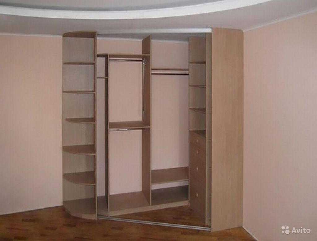 Встроенный шкаф трапецивидный
