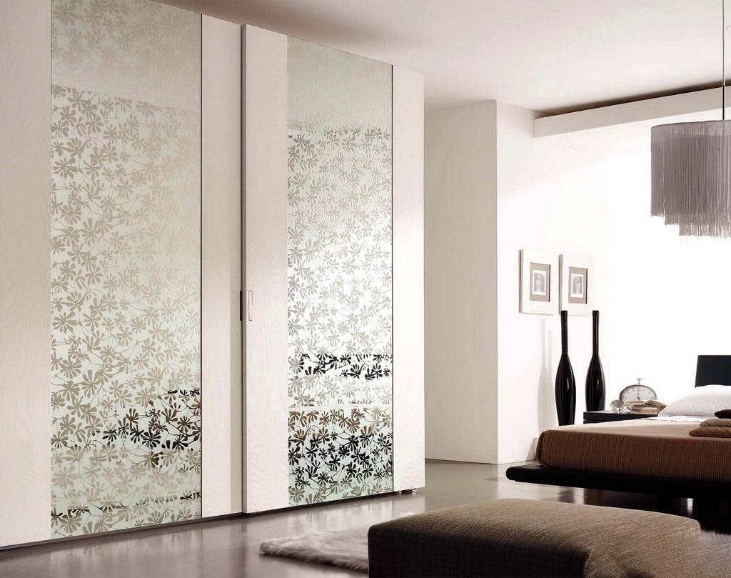 Зеркальный фасад с пескоструем