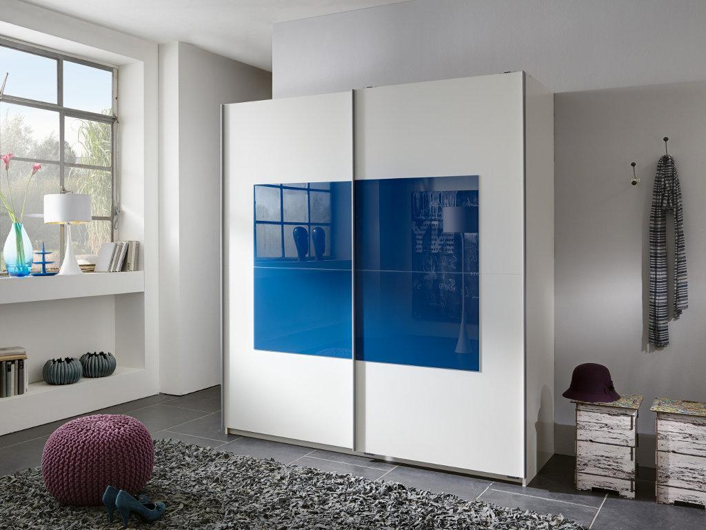 Белый шкаф с синей вставкой