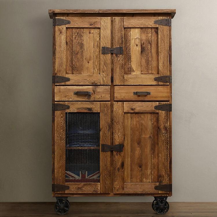 Деревянный шкаф лофт