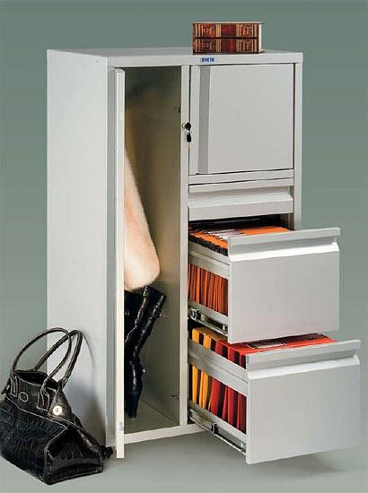 Хранение одежды в офисе