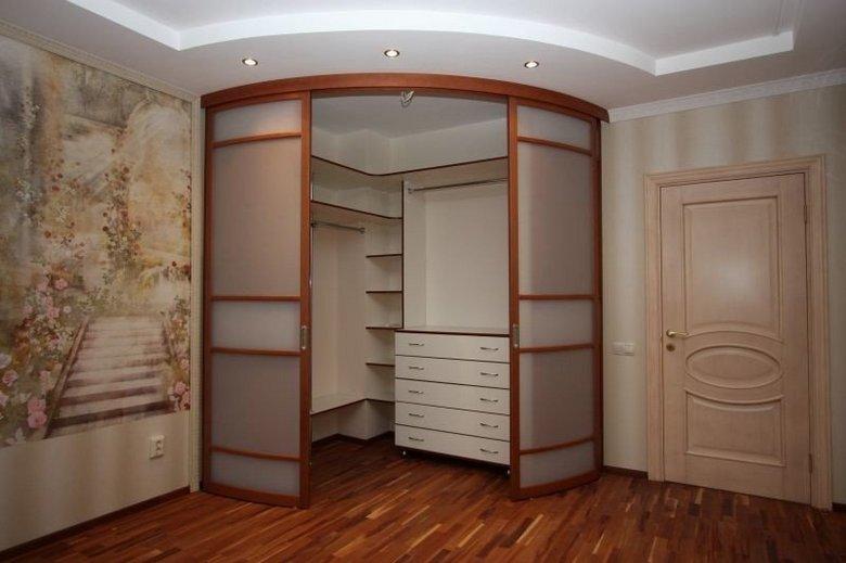 Интерьер углового шкаф-купе
