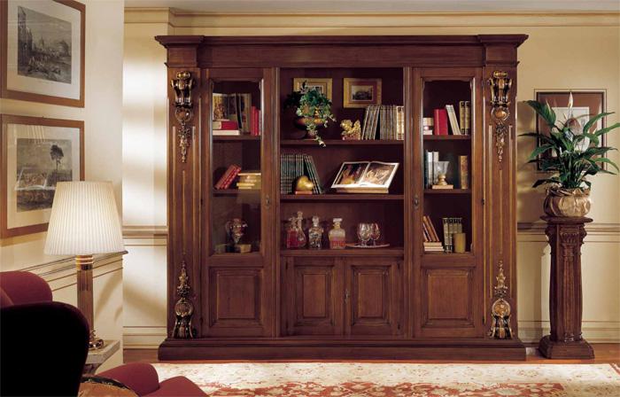 Кабинетный шкаф