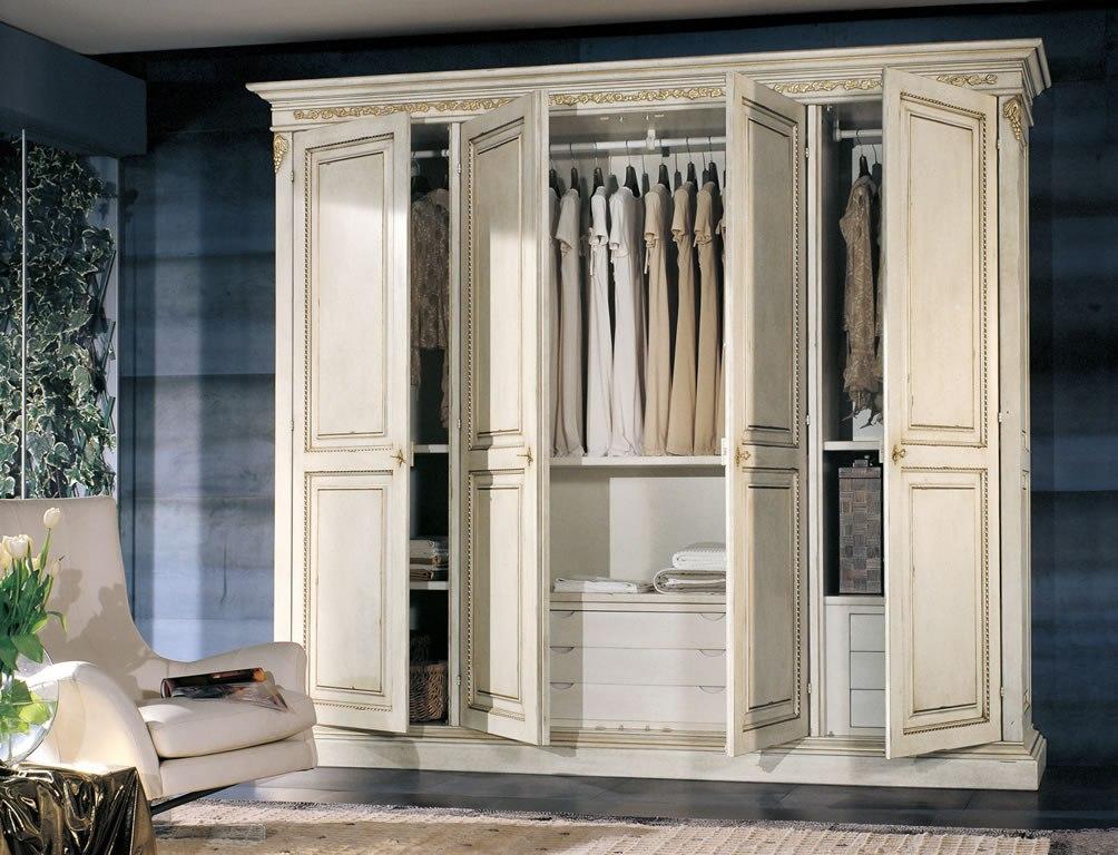 Классический шкаф белый
