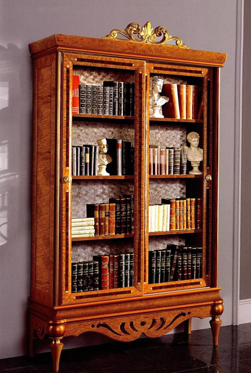 Книжный шкаф на ножках