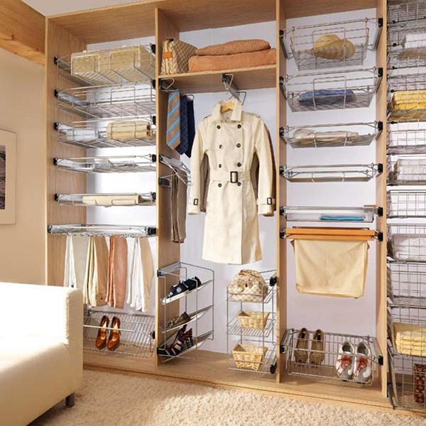 Пример наполнения встроенного шкафа-купе