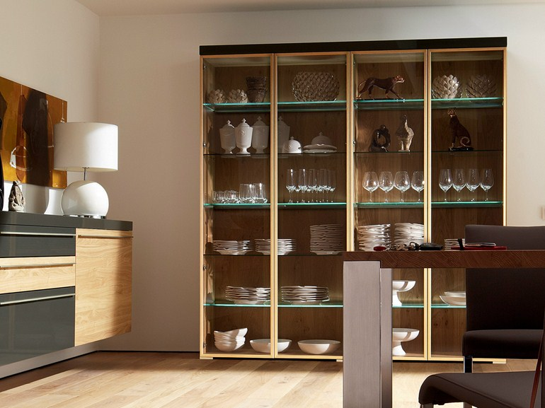 Пристенный шкаф