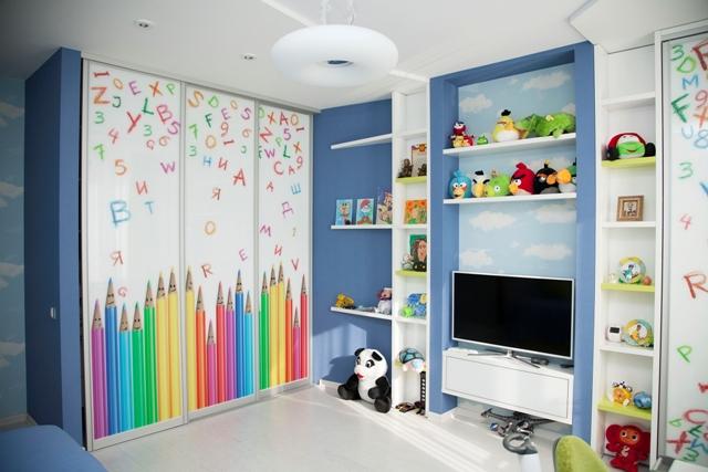 Прямой шкаф в детской