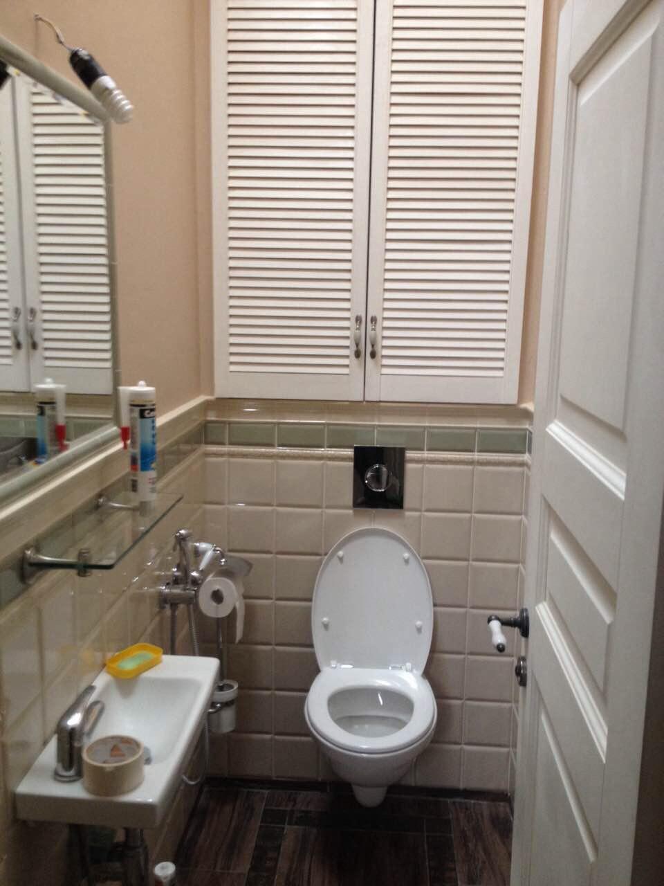 сантехнический шкаф в туалет назначение а также плюсы и минусы