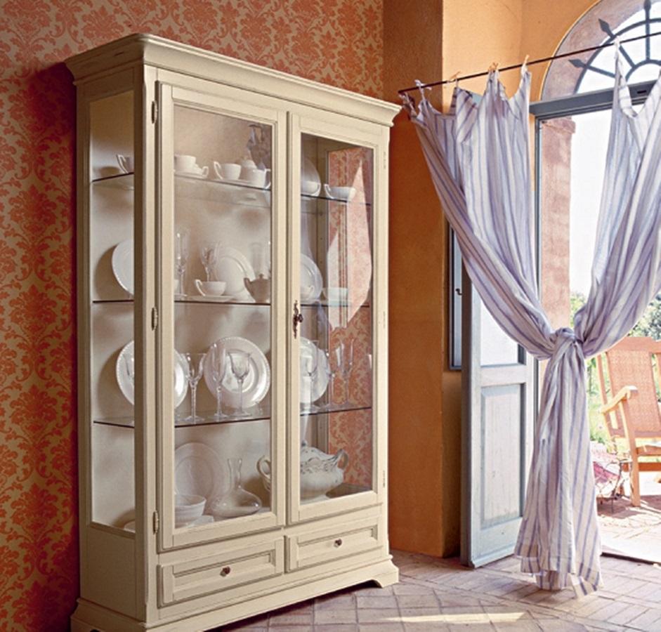 Шкаф для дорогой посуды