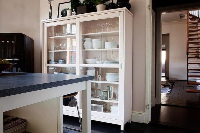 Шкаф для посуды в интерьере