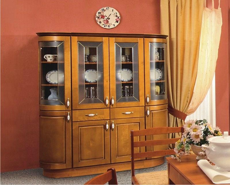 Шкаф для посуды со стеклом