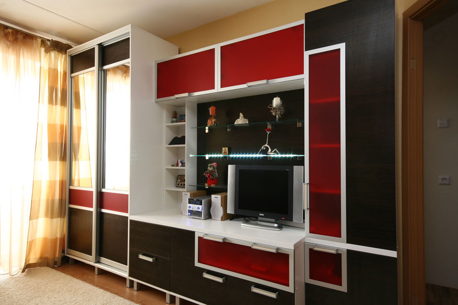 Шкаф в зал вокруг телевизора