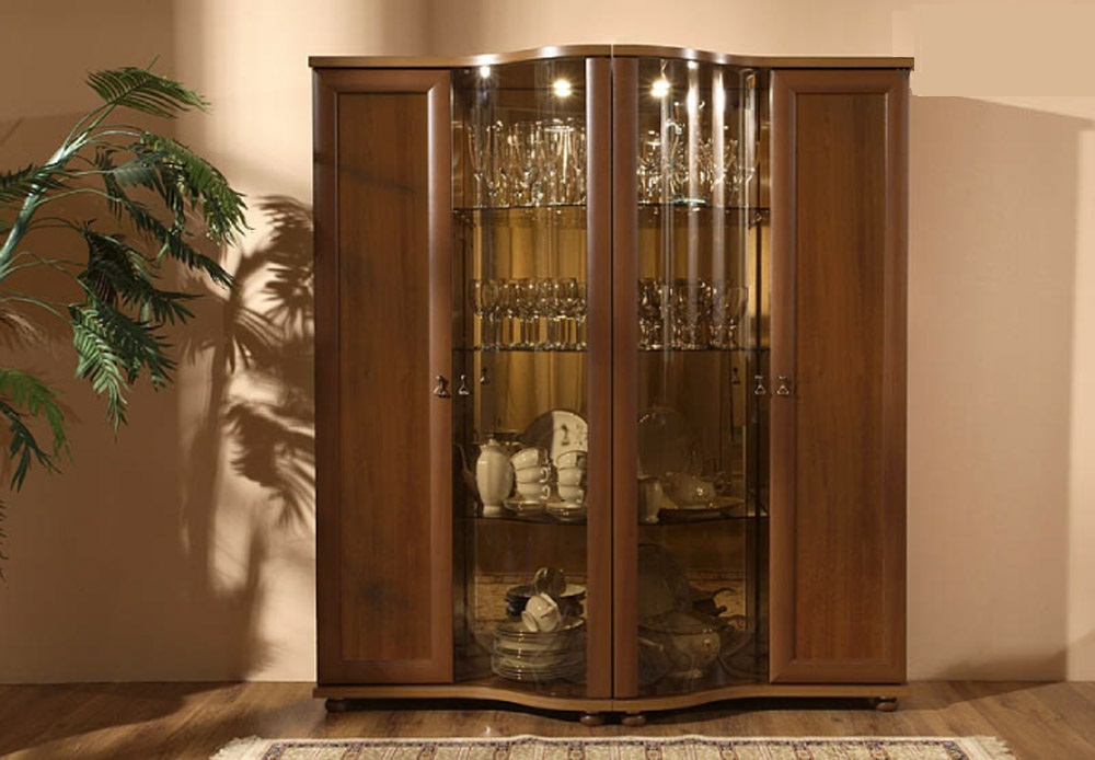 Шкаф витрина в дизайне гостиной