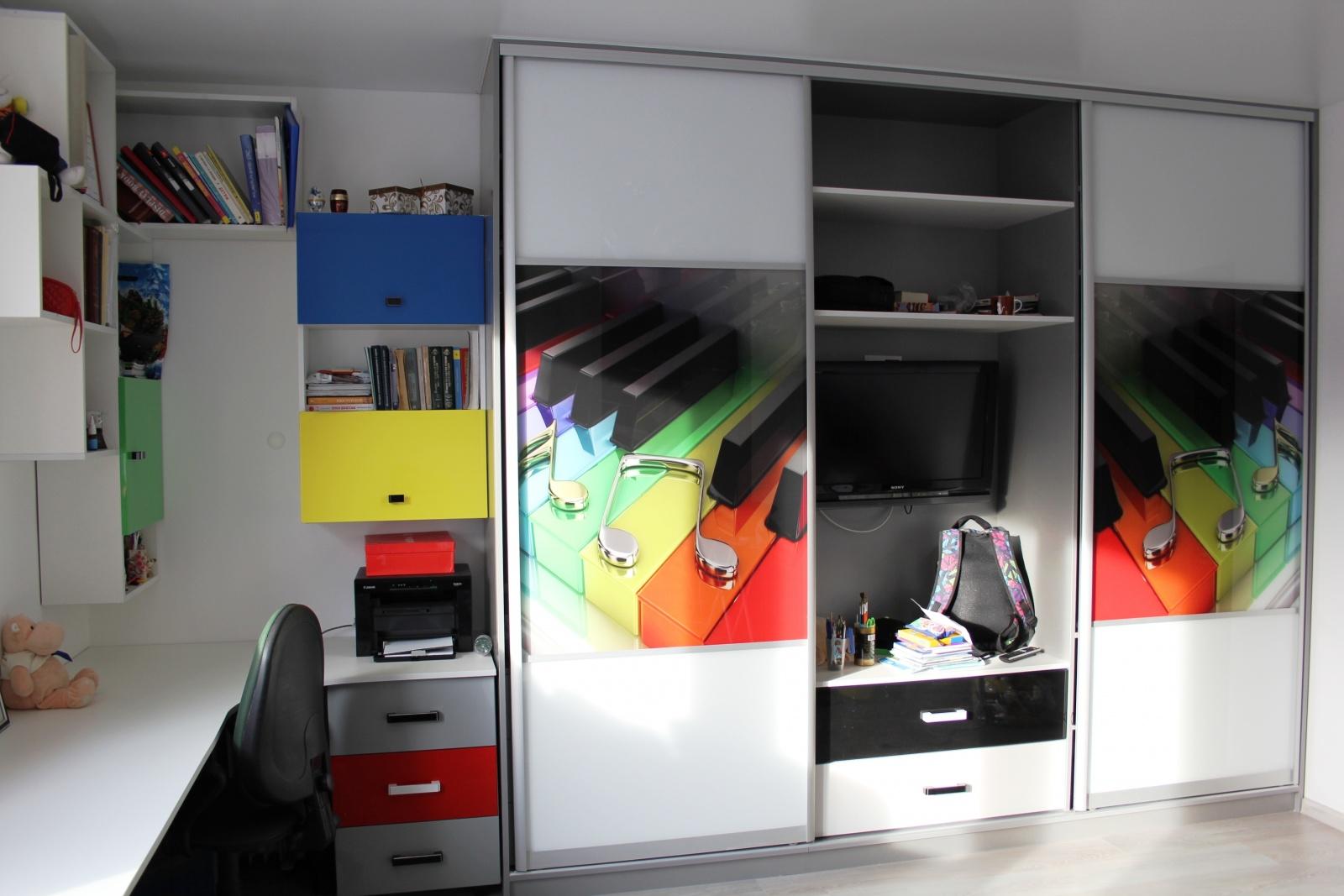 Шкафы купе в детскую комнату