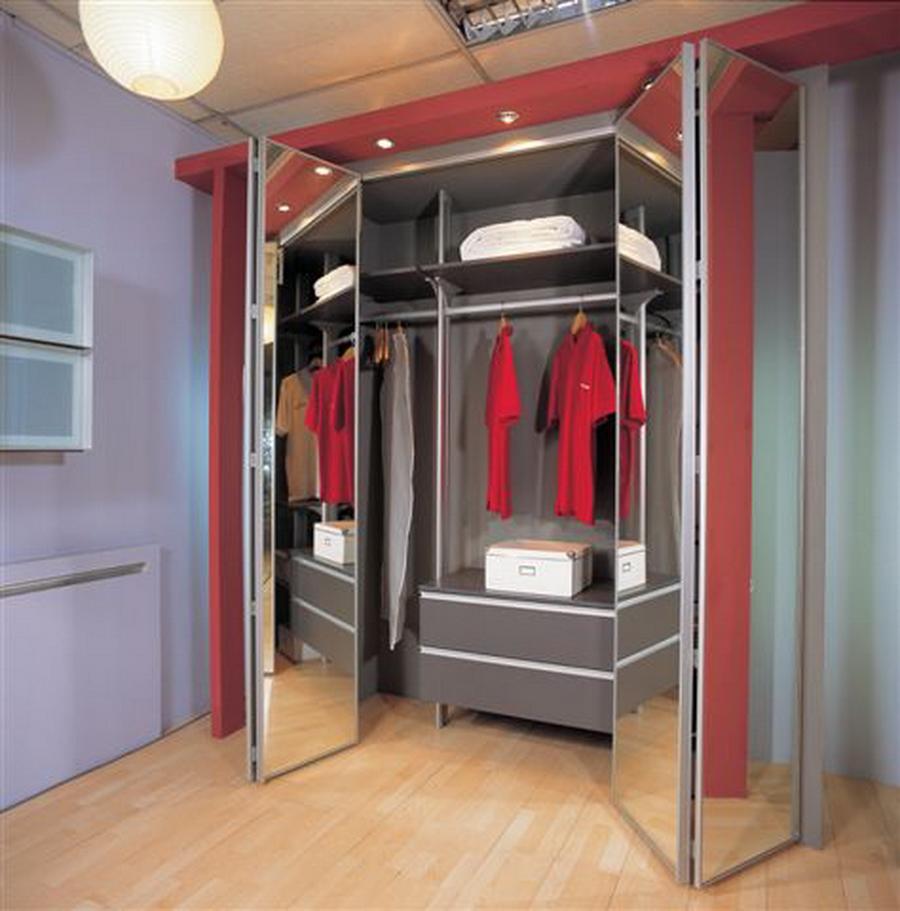 Шкаф гармошка, главные особенности, плюсы и минусы конструкц.