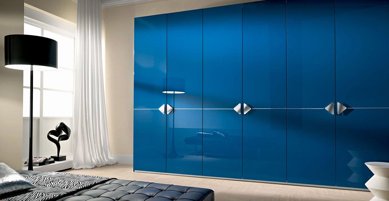 Современный синий шкаф