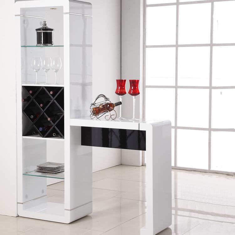 Стильный барный шкаф