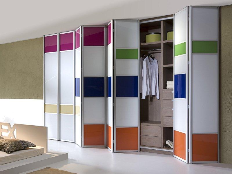 Цветной шкаф