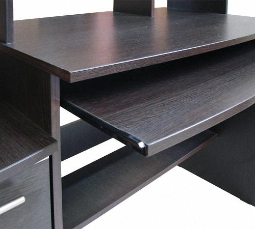 Темный стол для спальни