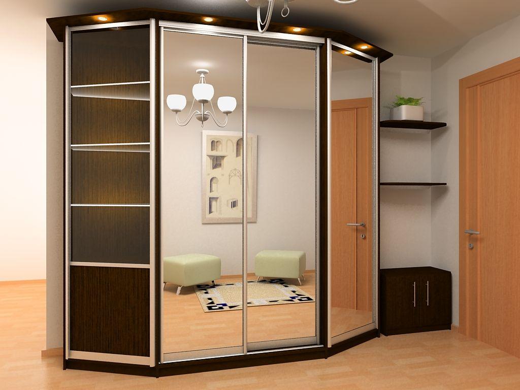 Трапециевидный узкий шкаф