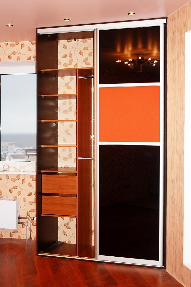 Узкие шкафы для спальни