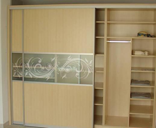 Встроенный шкаф из ДСП