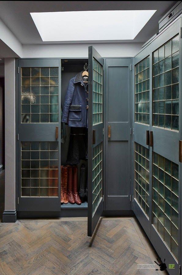 Встроенный шкаф лофт