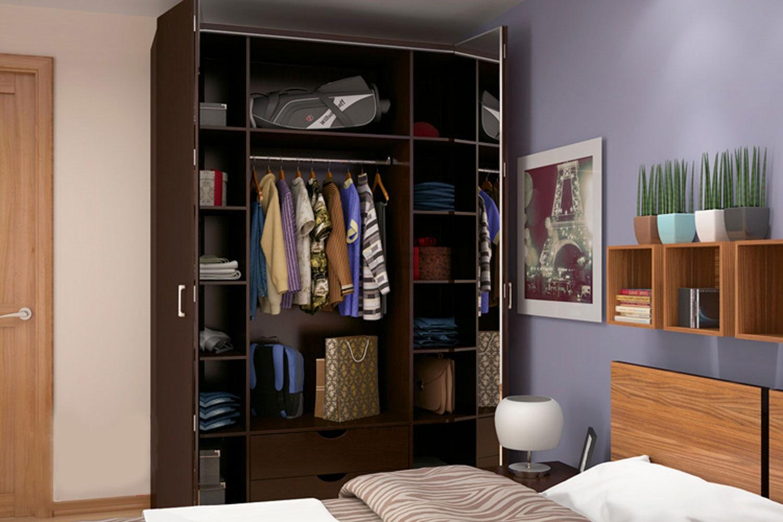 узкий шкаф в спальне