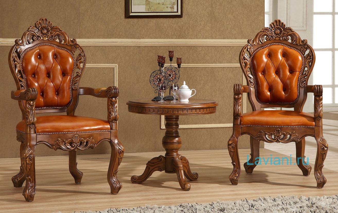 Дорогие стулья и стол для прихожей