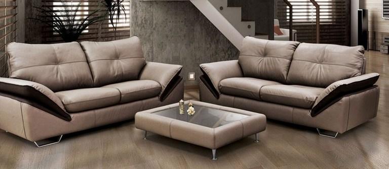 Два красивых кресла
