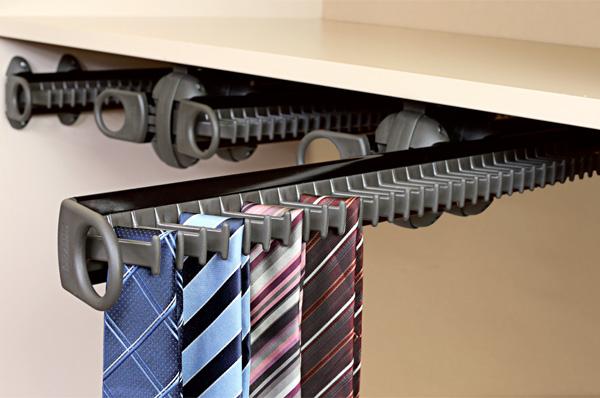 Галстучница в шкафу