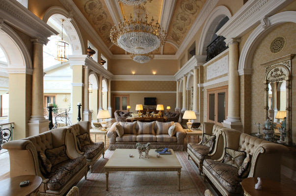Интерьер красивого зала
