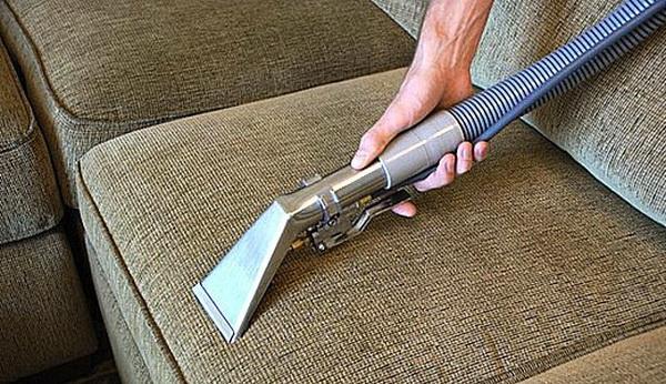 Как очистить мебель в квартире