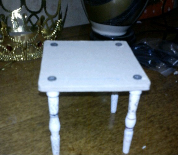 Как сделать кукольный стол