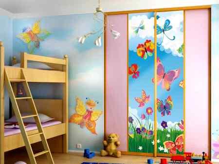 Как выбрать дизайн фасада для детского шкафа-купе