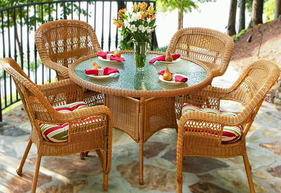 Как выбрать качественную садовую мебель