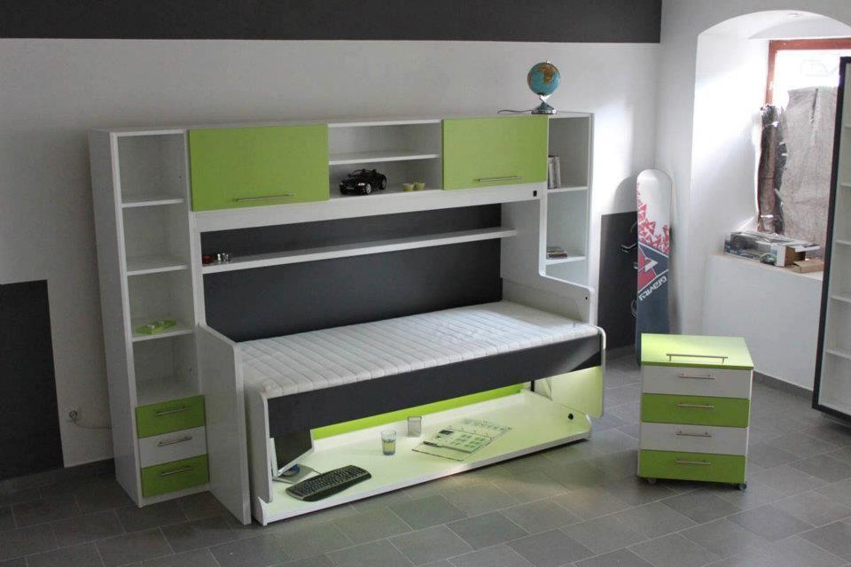 Кровать с функциями стола для ребенка