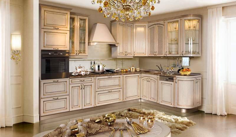 Кухонная большая мебель