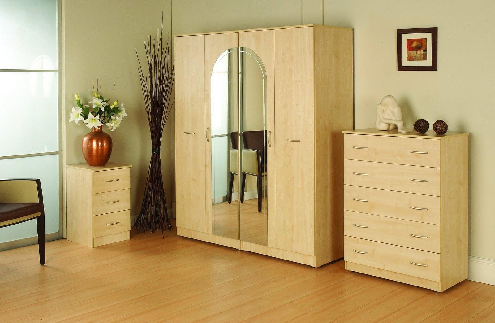 Маленький шкаф в спальню