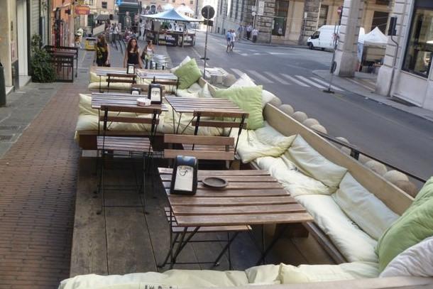 Мебель для летнего кафе из дерева