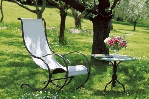 Металлическая садовая мебель