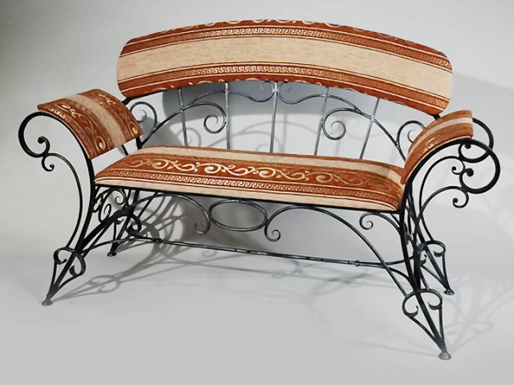 Металлические предметы мебели