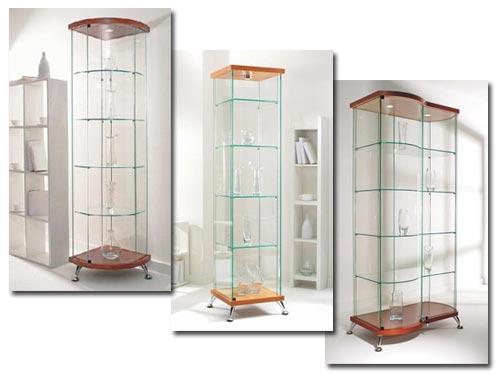 Многообразие стеклянных витрин