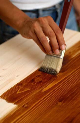 Покрытие старой мебели краской