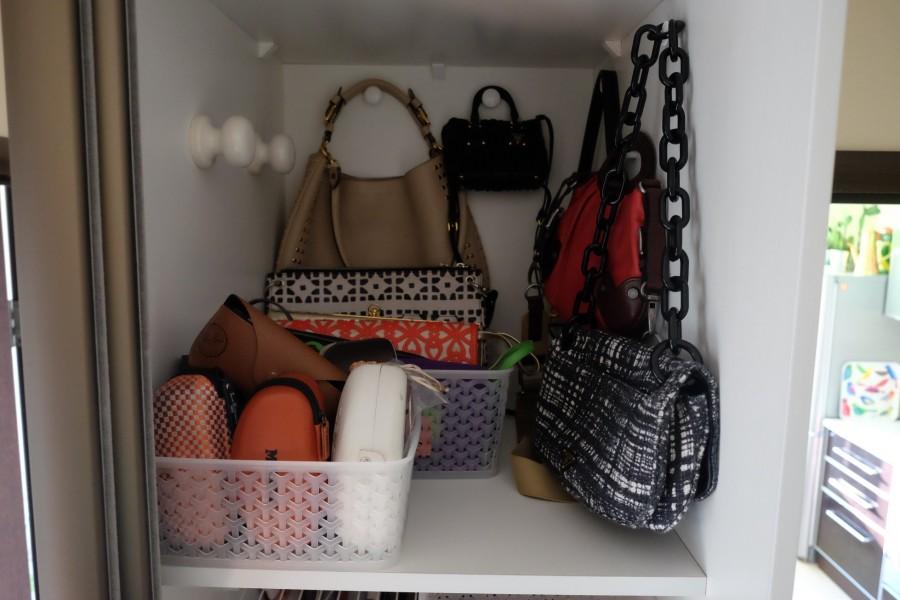 Полки для сумок